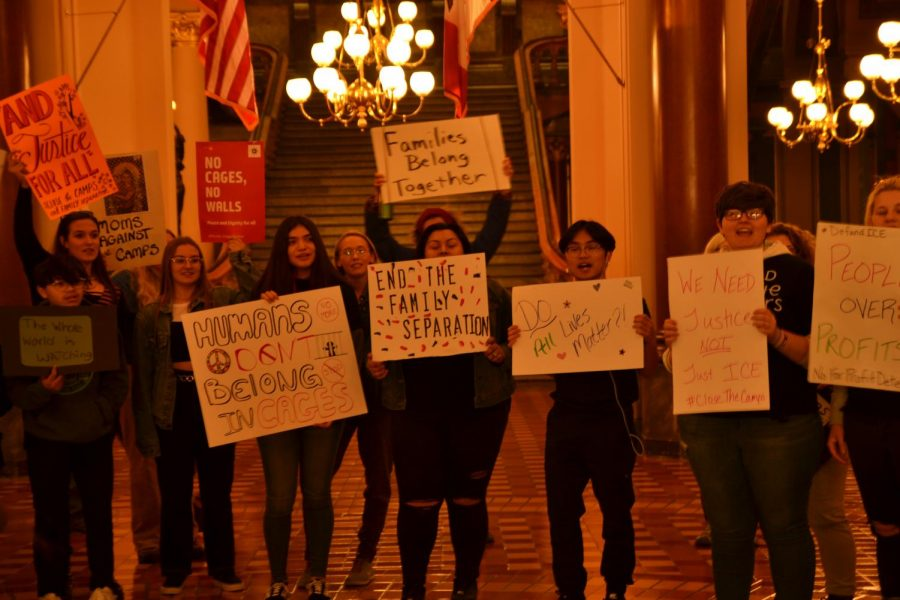 Students+inside+the+Capital+chanting+%27Education+no+deportation%27+trying+to+get+attention+from+thr+governor+of+Iowa
